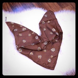 🦋2/$10 3/$15 4/$18 5/$20 Vintage Silk Scarf
